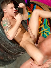 James Ryder vs Warrick Cade - Gay porn pics at GayStick.com