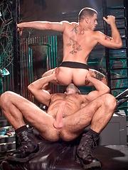 Ty Roderick vs Jake Genesis - Gay porn pics at GayStick.com