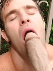 Dude gets facialed by himself - Gay porn pics at GayStick.com