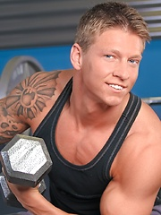 Muscular Cole Christiansen  - Gay porn pics at GayStick.com