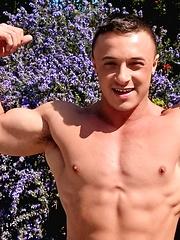 Muscular guy Marco Ratillo shows his cock - Gay porn pics at GayStick.com