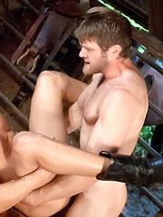 Hot studs fucking bareback - Gay porn pics at GayStick.com