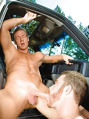Cock sucking & ass rimming - Gay porn pics at GayStick.com