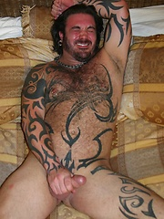 See this rough top get dirty with all kinds of good ol' southern boy pigs inside - Gay porn pics at GayStick.com