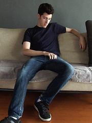 Scott Cameron autofellatio - Gay porn pics at GayStick.com