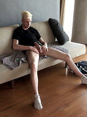 Blonde boy Chris King solo masturbation - Gay porn pics at GayStick.com