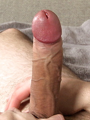 Brunette jerking at home - Gay porn pics at GayStick.com