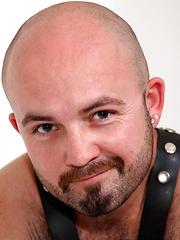 Hairy bear Tommo Hawk solo pics - Gay porn pics at GayStick.com