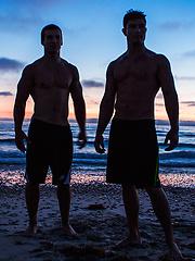 Stu and Tanner bareback - Gay porn pics at GayStick.com