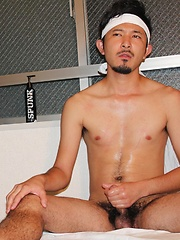 Sexy japanese guys work cocks - Gay porn pics at GayStick.com