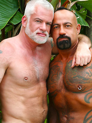 Bear-Licious Daddies Bo Bangor and Jake Marshall - Gay porn pics at GayStick.com