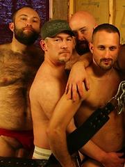 Raw 6-Man Gangbang - Gay porn pics at Gaystick