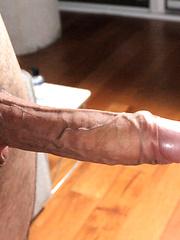 Dude wanking off his big dick - Gay porn pics at GayStick.com