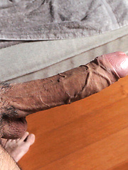 Dude wanking off his big dick - Gay porn pics at GayStick.com