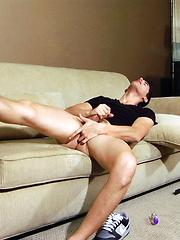 Hot brunet masturbates & cums - Gay porn pics at GayStick.com