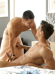 Lukas Shower jackoff with Kris Evans - Gay porn pics at GayStick.com