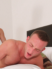 Straight For That Hot Arse! - Gay porn pics at GayStick.com