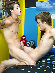 Alex Gets A Great Raw Ride - Gay porn pics at GayStick.com