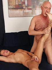 Yong boy gets fucked by bear - Gay porn pics at GayStick.com
