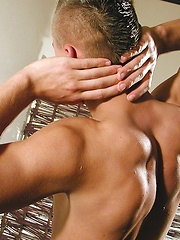 Muscled jock Logan strokes dick - Gay porn pics at GayStick.com