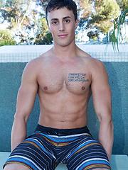 Sexy jock Bradon solo pics - Gay porn pics at GayStick.com
