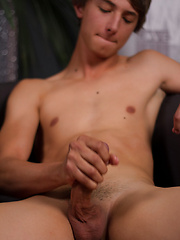 Meet local California boy Mitch Hudson - Gay porn pics at GayStick.com