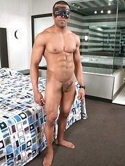 Maskurbate - Flex - Gay porn pics at GayStick.com