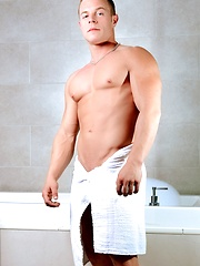 Men of Montreal – A Jock's Bubble Bath - Gay porn pics at GayStick.com