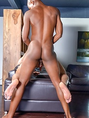 Men of Montreal – Bigger Is Definitely Better! - Gay porn pics at GayStick.com