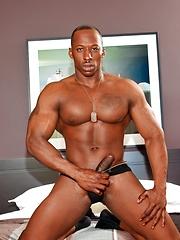 Derek Jackson strokes muscled dick - Gay porn pics at GayStick.com