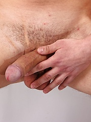 Jett Martin busts a nut all over his hard abs. - Gay porn pics at GayStick.com