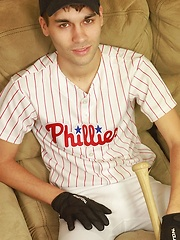 Athletic stud London Sawyer jerks off after baseball game. - Gay porn pics at GayStick.com