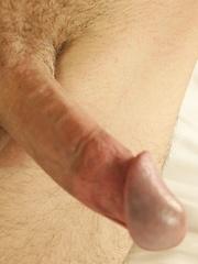Pretty boy Henry Sparks busts a big nut. - Gay porn pics at GayStick.com