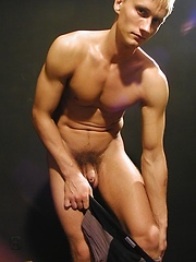 Ripped stud Michael Davids plays with this uncut dick. - Gay porn pics at Gaystick