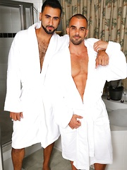 Men Over 30 - Love & Lather - Gay porn pics at GayStick.com