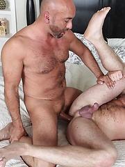 Brian Davilla Barebacks Shay Michaels - Gay porn pics at GayStick.com
