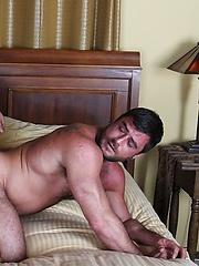 Brad Kalvo Barebacks Mike Dozer - Gay porn pics at GayStick.com