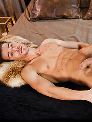 Seth Roberts Takes a Bareback Pounding from Saxton West's Raw Dick - Gay porn pics at GayStick.com