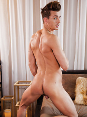 Seth Roberts Takes a Bareback Pounding from Saxton West's Raw Dick