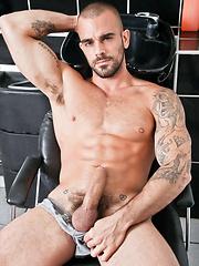 Damien Crosse Shoots His Load All Over Fernando Torres - Gay porn pics at GayStick.com