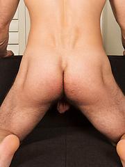 Sexy guy Devin - Gay porn pics at GayStick.com