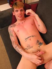 Jay Sinister NYC jack off - Gay porn pics at GayStick.com