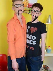Horny Geek Deep-Throats & Deep-Fucks To Enjoy A Full-On Facial From His Mate! - Gay porn pics at Gaystick