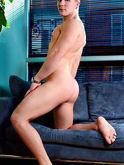 Men of Montreal - All In the Family - Gay porn pics at GayStick.com