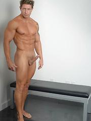 Bryce Evans Fucks Sean Duran - Gay porn pics at GayStick.com