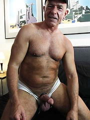 This sexy silver Daddy loves to fuck - Gay porn pics at GayStick.com