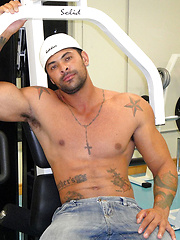 Hung Brazilian bodybuilder Alexei back for more - Gay porn pics at GayStick.com