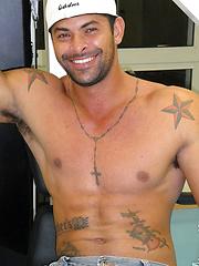 Hung Brazilian bodybuilder Alexei back for more - Gay porn pics at GayStick.com