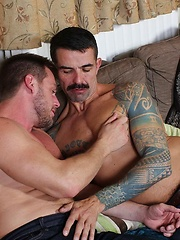 Hans spreads his legs and lets Joe fingers him - Gay porn pics at GayStick.com