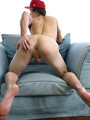 Max - Gay porn pics at GayStick.com